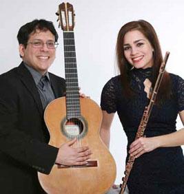 Juan Carlos Arancibia Navarro (Gitarre) und Anita Farkas (Querflöte)