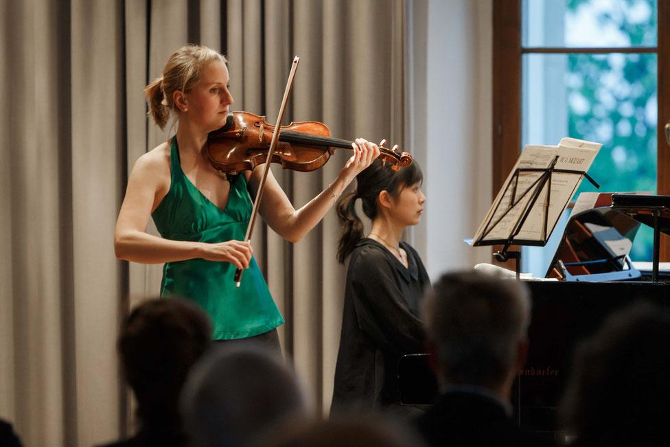 Diana Schneider und Risa Adachi – Geige und Klavier